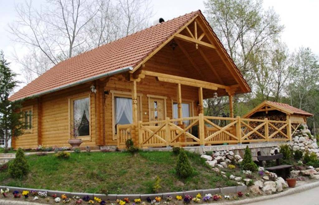 Casa din lemn H1