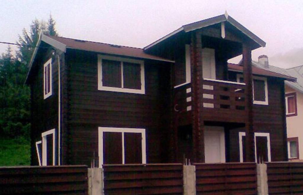 Casa din lemn H4