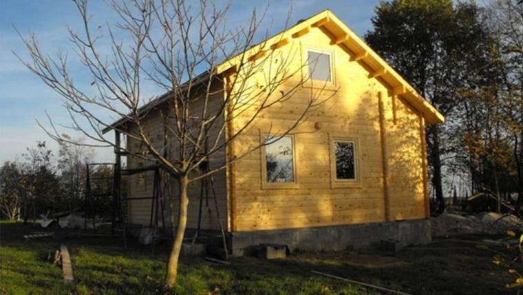 Casa din lemn H5