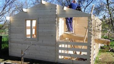 construction avec une maison
