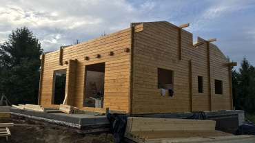 L6 wooden house
