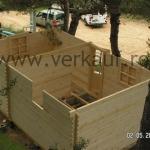 constructia unei case din lemn