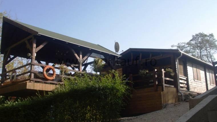 Wooden cottage F14.B