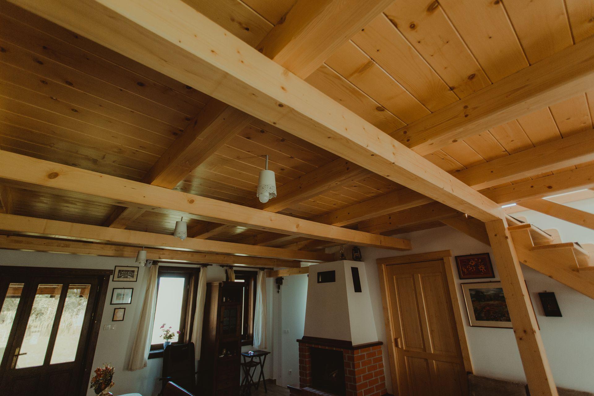 fahazak-case-din-lemn-slider42