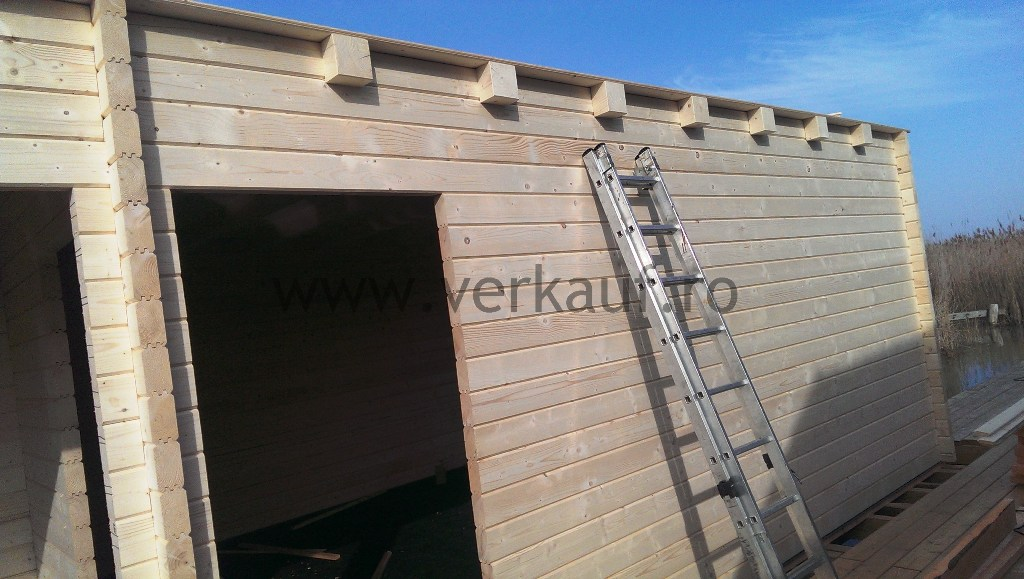 Vízre épített faház