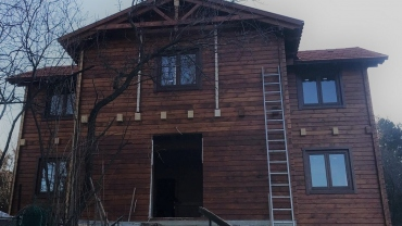 Wooden house L8