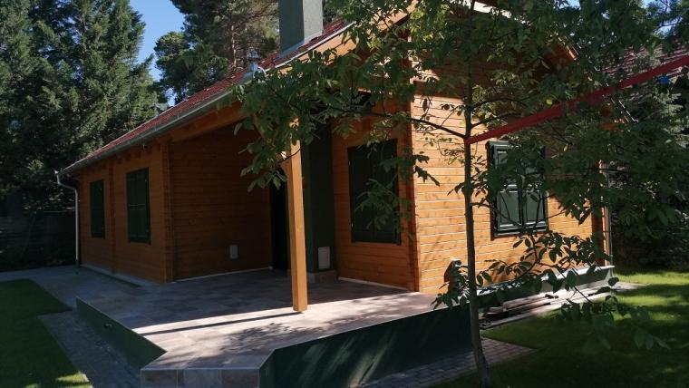 Wooden cottage F19