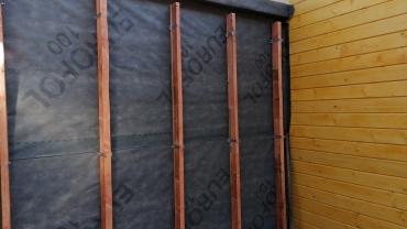 Casa din lemn L10 - izolarea peretilor
